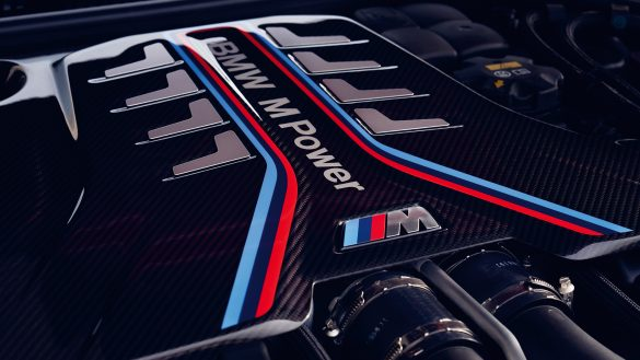 BMW M TwinPower Turbo 8-Zyinder Benzinmotor des BMW M5 Competition