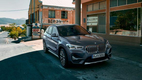 BMW X1 von rechts vorne