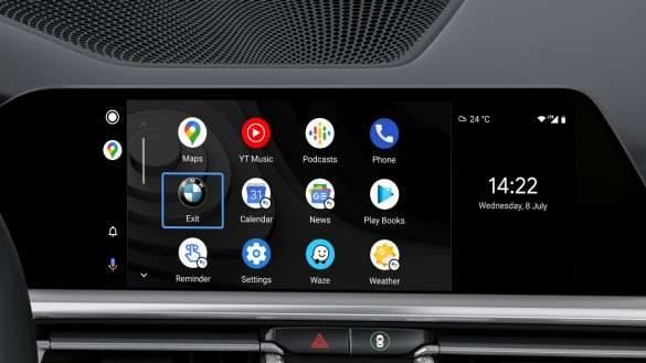 BMW M440i xDrive Smartphone Integrationq