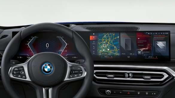 BMW Live Cockpit Professional mit BMW Curved Display BMW i4 M50 G26 2021 Innenraum Cockpit